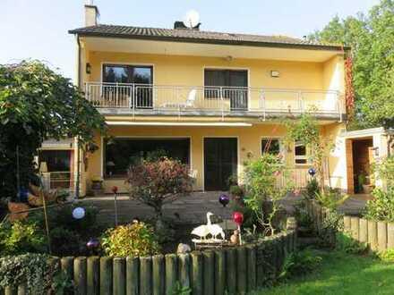 Attraktives Einfamilienhaus auf 832 m² Traumgrundstück Exzellente ruhige Lage 51069 Köln-Dünnwald