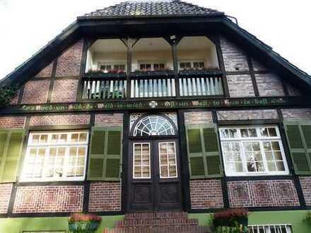 Traumhaftes Herrenhaus mit Nebenhaus im parkähnlichen Garten !