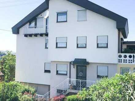 Gepflegte 4,5-Zimmer-Wohnung mit Balkon und Einbauküche in Vaihingen Enz