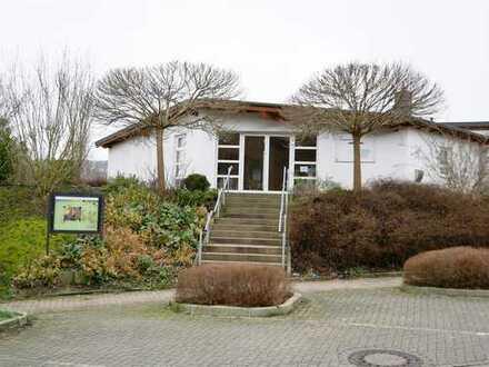 Großzügig gebautes Gemeindehaus mit vielfältigen Nutzungsmöglichkeiten