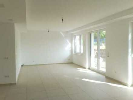 Moderne 4- Zimmer Souterrainwohnung mit großer Gartenterrasse