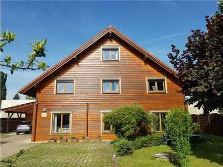 RE/MAX - P R O V I S I O N S F R E I Wohnen und Arbeiten im Holzblockhaus