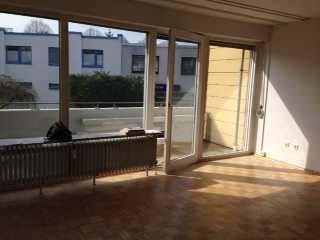 Vollständig renoviertes Appartement mit einem Zimmer sowie SüdBalkon und Einbauküche in Braunschweig