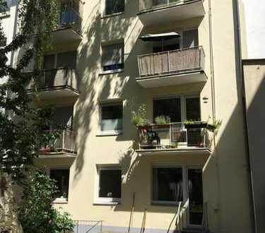 +++ Komplett renovierte Wohnung im KLINIKVIERTEL +++