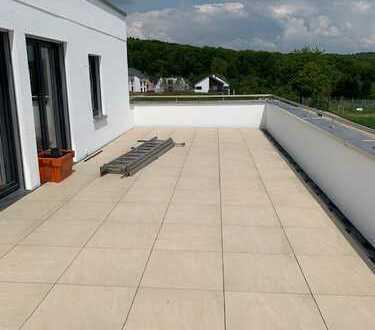 4,5 Zi - Penthouse mit 44m2 Dachterrasse in Plochingen ( Erstbezug )...
