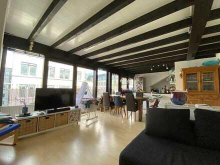Stilvolle, gepflegte 3-Zimmer-Penthouse-Wohnung mit Balkon in Altstadt & Neustadt-Süd, Köln