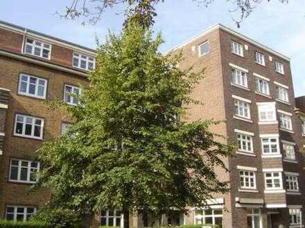 Helle 3,5 Zimmer Altbau-Wohnung, 84 m² (plus eigener Dachboden) in Winterhude/ Lattenkamp
