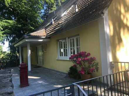 Erstbezug nach Renovierung: exklusive 4-Zimmer-DG-Wohnung in Königstein