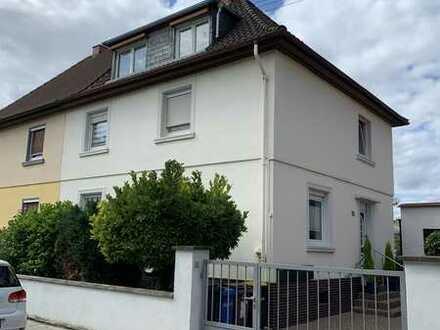Optimale 2-Zimmer-Dachgeschosswohnung in Ludwigshafen