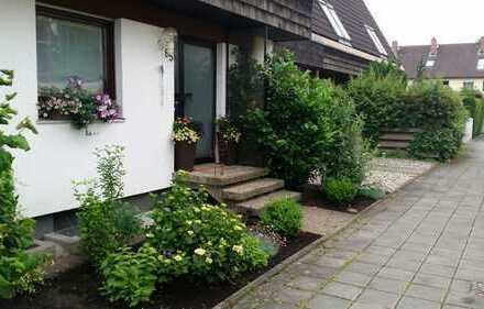 PROVISIONSFREI + Schönes RMH mit fünf Zimmern in Nürnberg, Weiherhaus