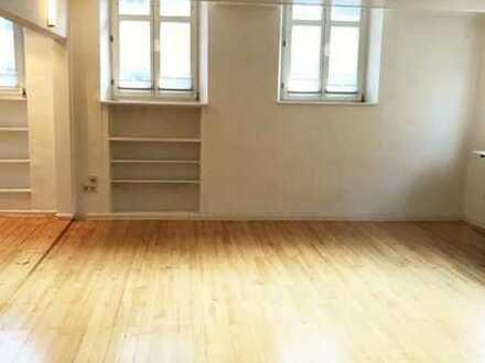 Schöne, helle 5ZKB Wohnung mit Dachterrasse in bester Innenstadt-Lage!