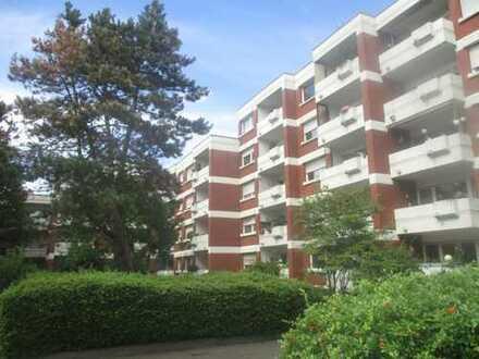 Großzügig geschnittene 3-Zi.-Wohnung. mit großer Ess-Küche und Balkon in ruhiger City-Lage!