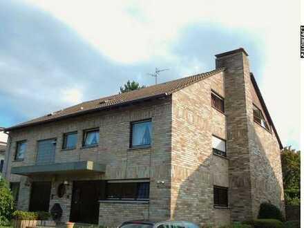 5 Familienhaus mit einer autarken 249 m² großen Eigentümerwohnung über 3 Etagen in super Lage.