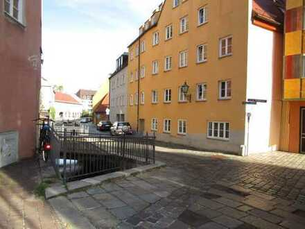 Liebhaberwohnung, 2 ZKB ca. 65,13qm in der Altstadt, gleich bei der Fuggerei