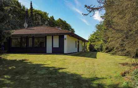 Architektenhaus auf traumhaftem Grundstück direkt am Naherholungsgebiet Langes Tannen