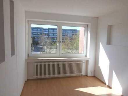 ** Ihre Suche war erfolgreich ! Gut aufgeteilte 3 - Zimmerwohnung mit Balkon ! **