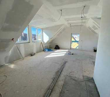 Attraktive Neubau-Dachgeschoss 3-ZKB Wohnung