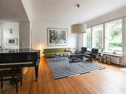 Möblierte Familienvilla mit Einliegerwohnung und großem Garten - citynah in Berlin-Schmargendorf