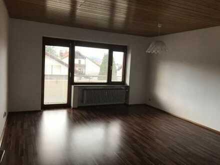 Gepflegte 2-Zimmer-Wohnung mit Balkon und EBK in Pforzheim, Würm