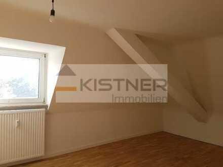 Gemütliche 3-Zimmer-Dachwohnung! Großzügig, modernisiert, WG's willkommen!
