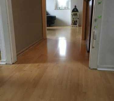 Schöne, gepflegte 2,5-Zimmer-DG-Wohnung mit gehobener Innenausstattung zur Miete in Dortmund