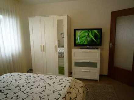 möbliert-Schöne 1 Zimmer Wohnung