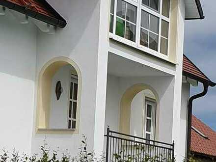 schicke 3-Zimmer-Wohnung mit Balkon und Gartenanteil