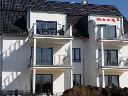 Erstbezug mit Balkon: schöne 2-Zimmer-DG-Wohnung in Ehekirchen