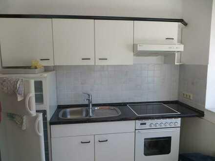Vollständig renovierte Wohnung mit zwei Zimmern und EBK in Isernhagen