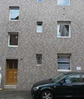 Preiswerte, vollständig renovierte 2,5-Zimmer-Wohnung mit Balkon in Bochum