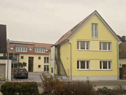 Neuwertige 5-Zimmer-Maisonette-Wohnung mit Balkon in Harthausen