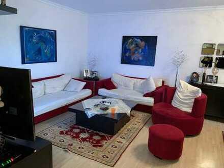 Exklusive 4-Zimmer-Wohnung mit Balkon und Einbauküche in Friedrichsdorf