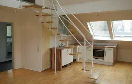 Schöne, helle 3,5-Zimmer-Maisonette-Wohnung mit Einbauküche. Ideal für Singles und Paare
