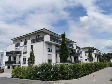 Neuwertige 3-Zimmer-Wohnung mit Balkon und Einbauküche in Friedberg (Hessen)
