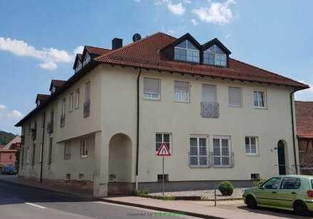 Zentrale 3-Zimmer Dachgeschoss- Wohnung zu vermieten!