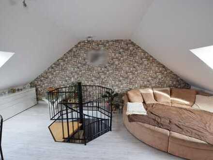 Sensationell! Tolle Dachgeschoss-Maisonette-Wohnung in Hartmannsdorf!