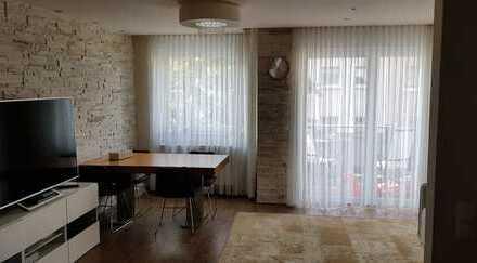 Exklusive, neuwertige 3-Zimmer-Wohnung mit Balkon und Einbauküche in Frankfurt