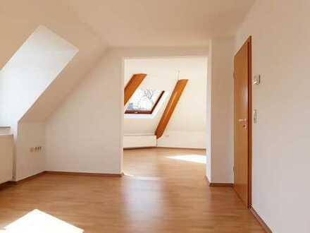 **Lichtdurchflutete Grundrissgestaltung** Attraktive 2-Zimmer Dachgeschosswohnung inmitten von Hörde