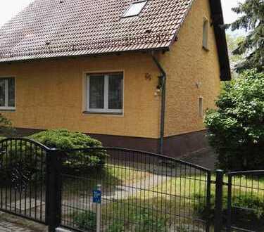 RESERVIERT Schönes, geräumiges Haus mit vier Zimmern in Oberhavel (Kreis), Hohen Neuendorf