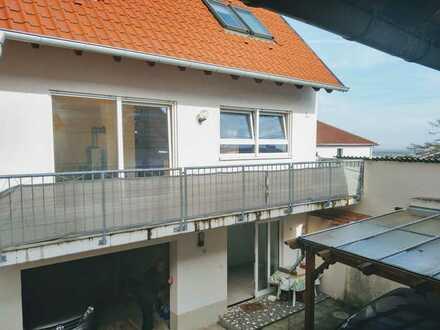 Modernisierte 3-Zimmer-Maisonettewohnung mit Einbauküche in Herxheim am Berg