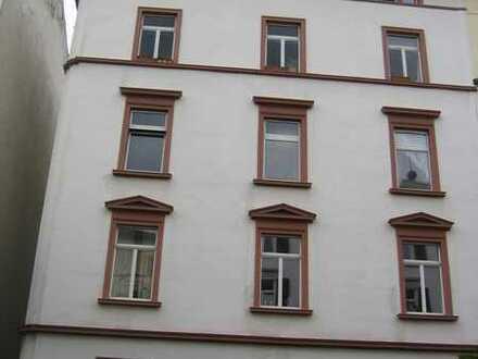 coole Dachgeschosswohnung mit vier Zimmern zum Verkauf in bester Lage Frankfurt's
