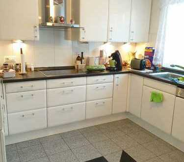 Neuwertige DHH - großzügig, hochwertig, modern - zzgl. 36 m² ausgeb. Keller