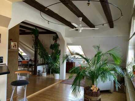 Lieblingswohnung - hell und individuell im Dachgeschoss