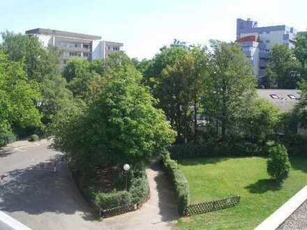 Eschborn-Süd: 3 Zimmer Wohnung - vermietet und in 2 Einheiten geteilt!
