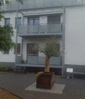 Neuwertige 3-Zimmer-Wohnung mit Balkon und EBK in Troisdorf