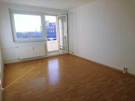 Renovierte 3 Zimmer Wohnung - 1. Nettokaltmiete frei -WE 27