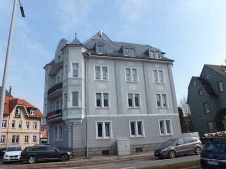 zentral, renoviert mit EBK im denkmalgeschütztem Haus, WG geeignet