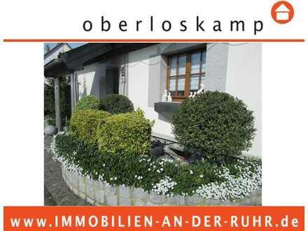 Freistehendes Einfamilienhaus, riesiges Grd. mit Entwicklungspotential & top Loft-Office