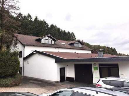 Büro-/Geschäftshaus mit Lager-/Produktionsflächen im Gewerbegebiet Lindlar-Klause