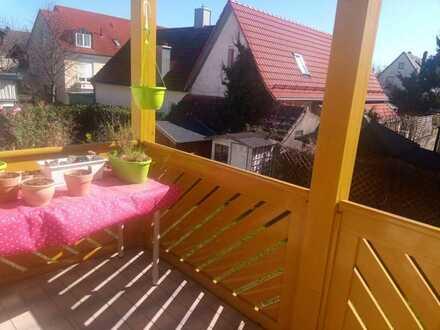 14 qm Zimmer mit Süd-Balkon in großer Haus-WG in München-West